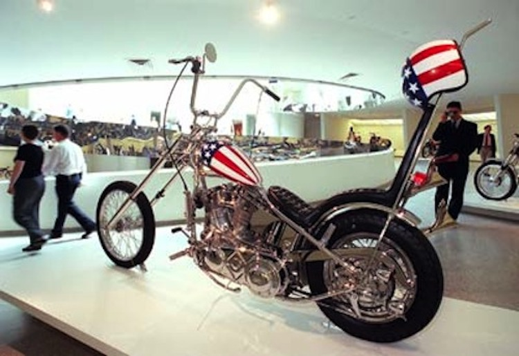 4Ever2Wheels, 4E2W, Best of the Web on Two Wheels, custom motorcycle photo blog, custom motorcycle podcast
