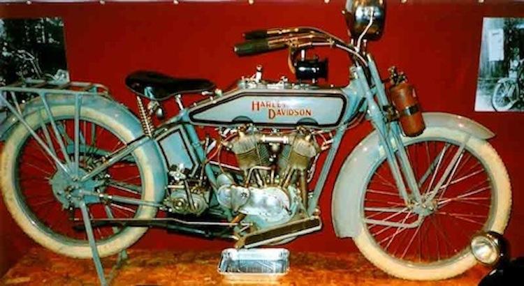 4E2W, 4Ever2Wheels, Best of the Web on Two Wheels, Harley-Davison, Vintage Harley, motorcycle photo blog