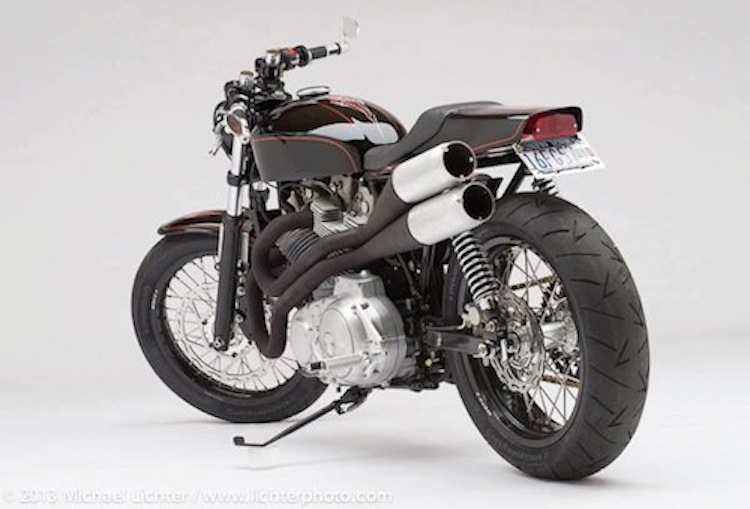 Cafe Racer Tracker, Dual Exhaust, Lichter Photo
