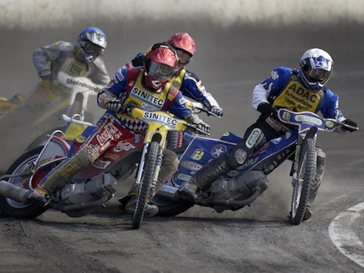 Speedway racer, dirt racer