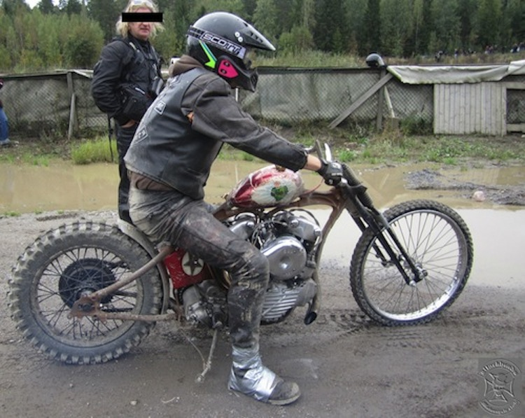 Knuckle chopper, dirt races