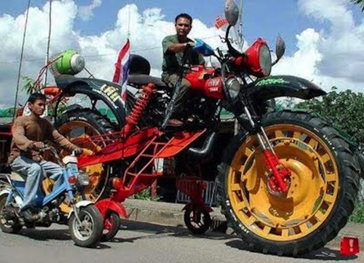 weird motorcycle, freaky motorcycle