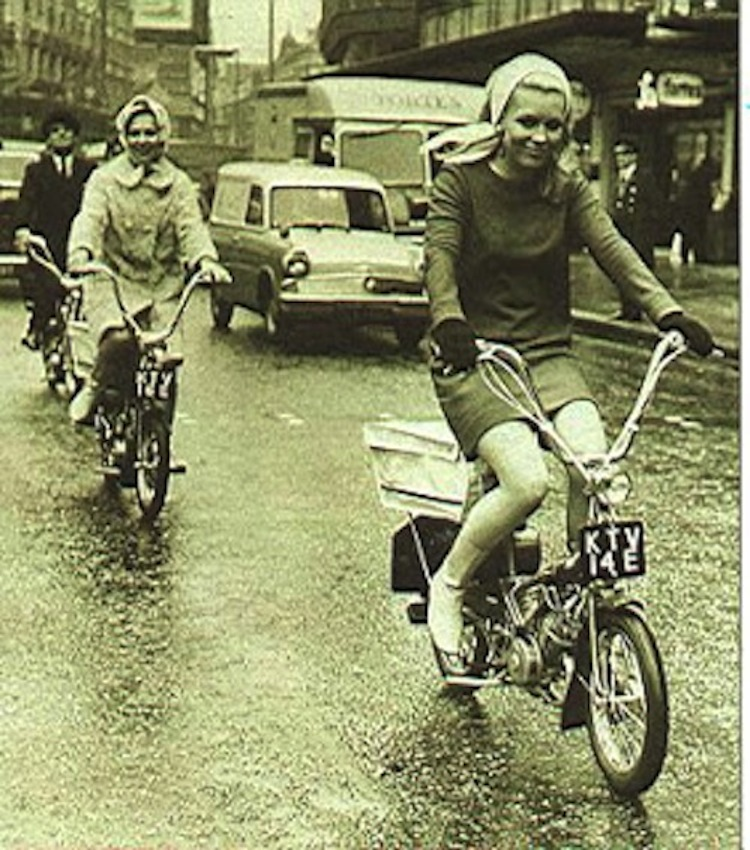 Classy Women on Mopeds, Moped women vintage, vintage moped lady riders