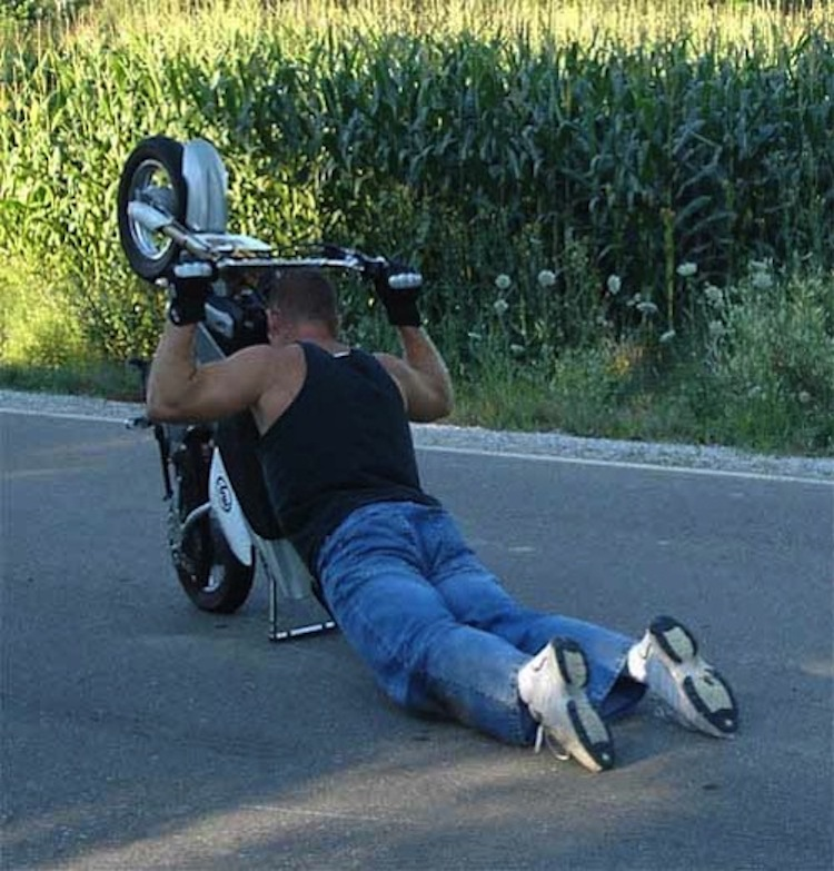 wheelie drag