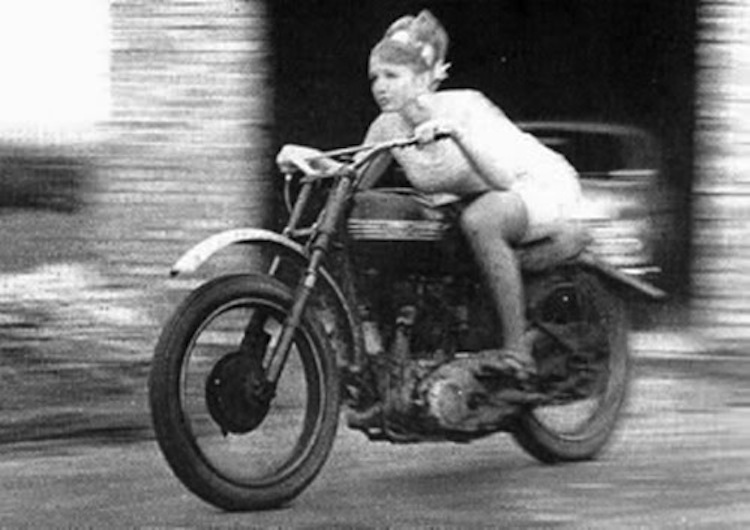 woman racing, motorcycle