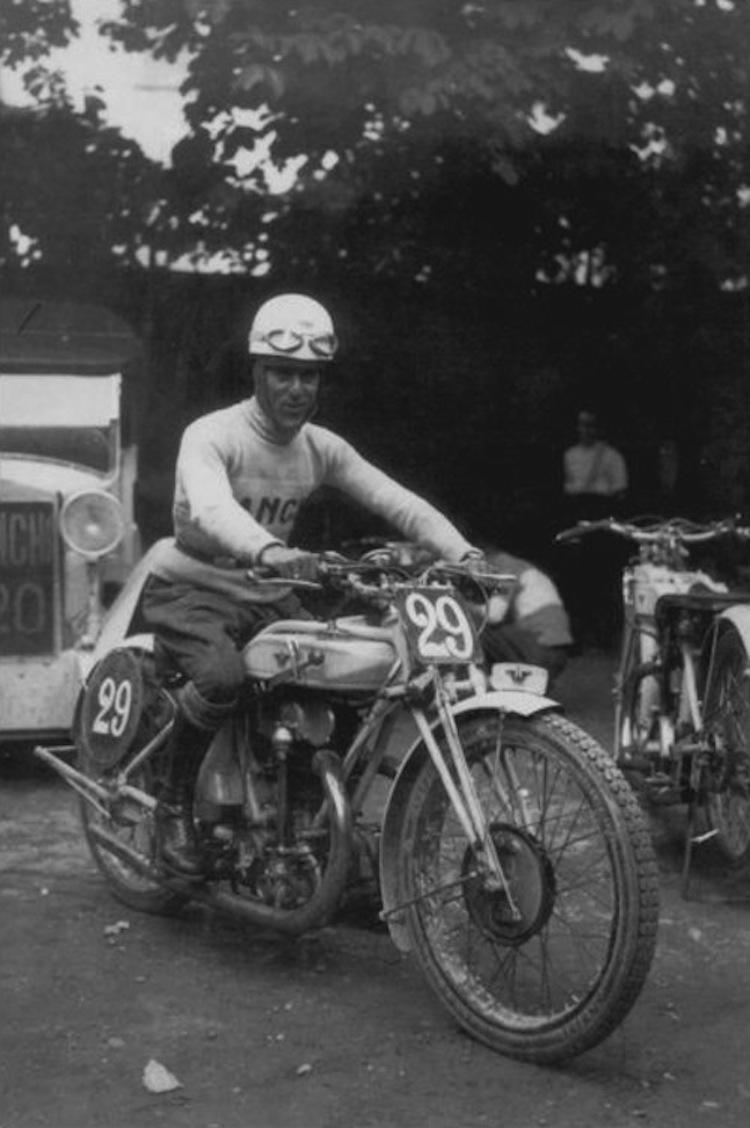 Bianchi, Bianchi moto, classic italian motorcycle, vintage bianchi motorcycle, bianchi moto racing