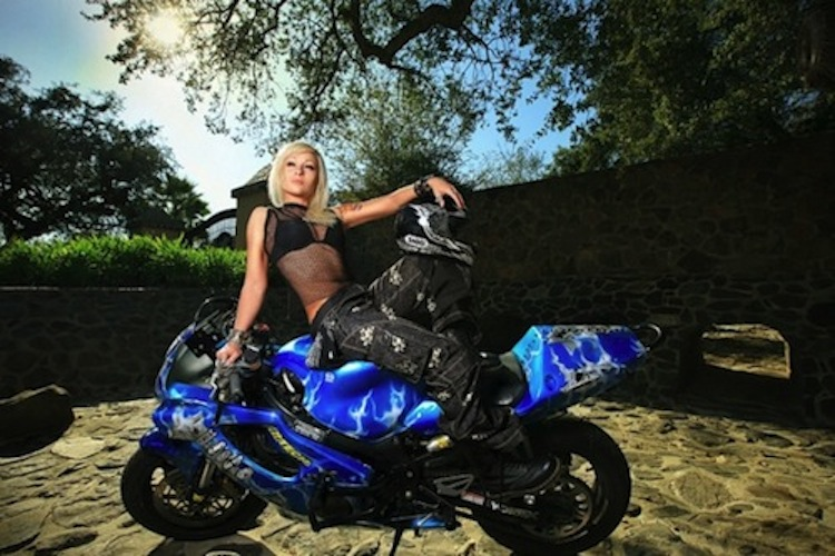 Girls on sport bikes, bikini sport bike, bikini motorcycle