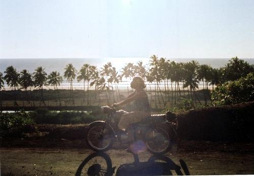 beach-motorcycle-india